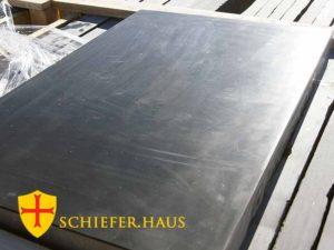 Schiefer ist für eine Küchenarbeitsplatte besonders gut geeignet. Schiefer fliesen wand.