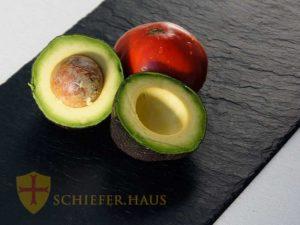 Unserer Kollektion werden von unseren spanischen Partnern aus natürlichem Schiefer von Hand gefertigt.